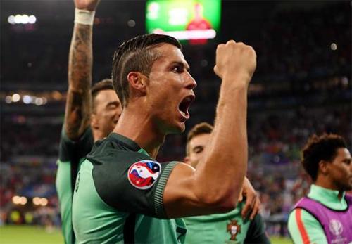 """Ronaldo: """"Tôi sẽ trở lại mạnh mẽ hơn"""""""