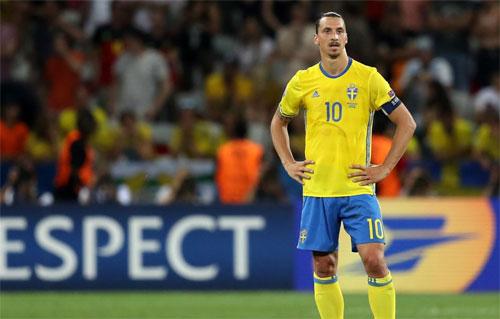 Mourinho tặng Ibrahimovic thêm ngày nghỉ hè