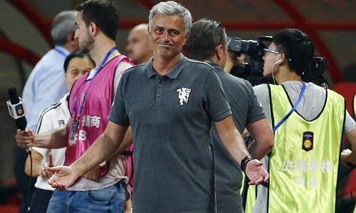 Mourinho trấn an CĐV Man Utd sau trận thua Dortmund