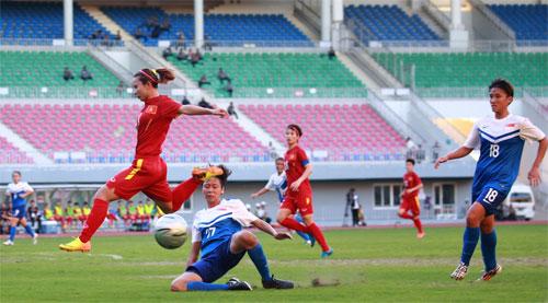 Tuyển nữ VN thắng 14-0 trong trận ra quân giải Đông Nam Á