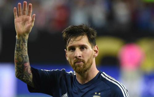 LĐBĐ Argentina phải sang Barcelona mời Messi trở lại đội tuyển
