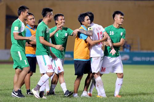 TP HCM giành vé lên chơi V-League