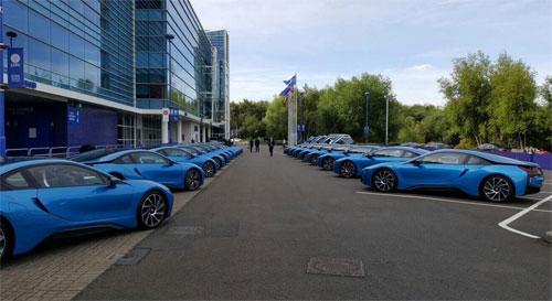 Ông chủ Leicester thưởng mỗi cầu thủ một siêu xe BMW i8