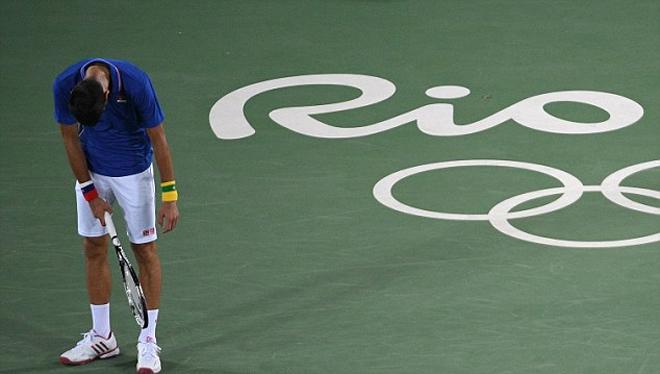 Djokovic đẫm lệ trong ngày mở màn quần vợt đơn nam Olympic - ảnh thể thao