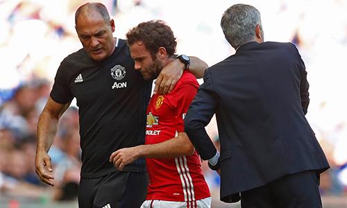 Mourinho lý giải việc thay đổi người khiến Mata bực tức