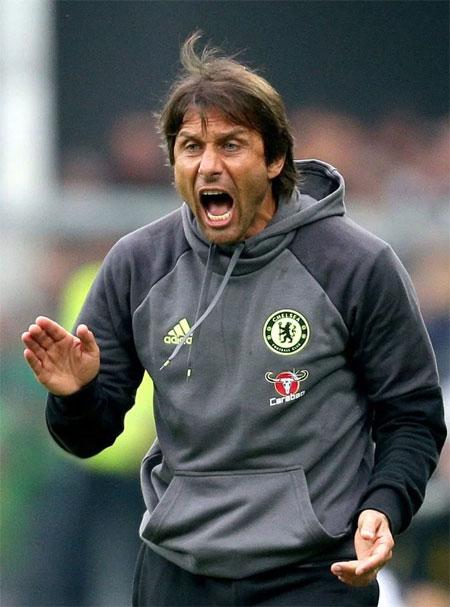 HLV Conte cấm cầu thủ Chelsea ăn pizza sau trận đấu