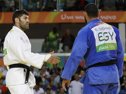 VĐV judo Ai Cập từ chối bắt tay võ sĩ Israel sau thất bại ở Olympic