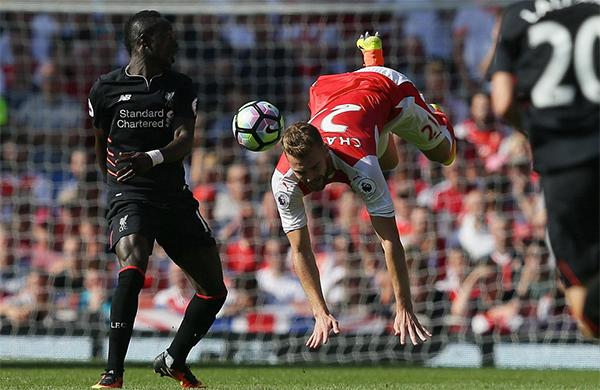 Liverpool thắng ngược Arsenal trong trận cầu có bảy bàn thắng