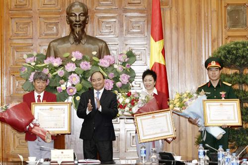 Hoàng Xuân Vinh từ chối xin danh hiệu anh hùng cá nhân