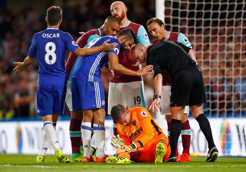 """HLV của West Ham: """"Diego Costa xứng đáng bị đuổi"""""""