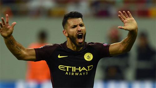 Aguero lập hat-trick sau hai lần hỏng phạt đền, giúp Man City đại thắng