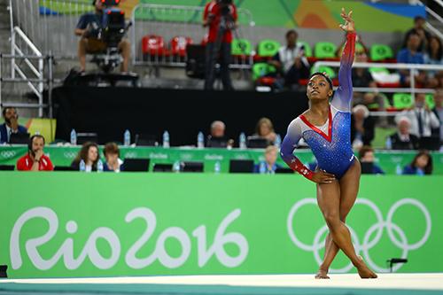 hc-vang-olympic-va-ganh-nang-thue-voi-cac-sieu-sao-the-thao-my-1