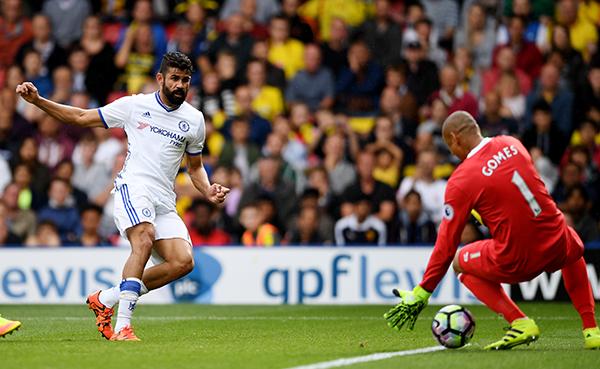 """Chelsea thắng ngược nhờ """"canh bạc"""" của Conte"""