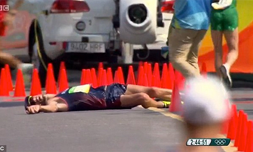 Kỷ lục gia Pháp bị tiêu chảy vẫn cố hoàn tất 50km đi bộ Olympic