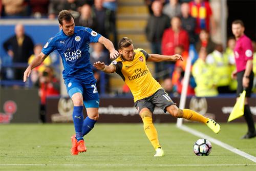 """Vieira: """"Arsenal kém thể lực và thiếu cá tính"""""""
