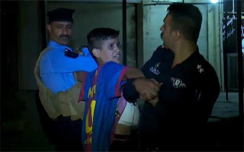 Nghi phạm khủng bố tuổi teen bị bắt khi mặc áo của Messi