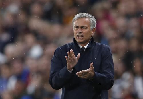 """Mourinho: """"Tương lai đang rộng mở cho Rashford"""""""