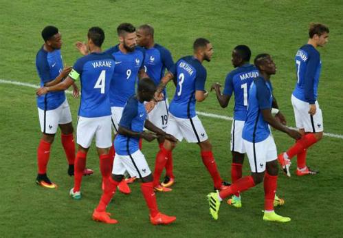 Pogba tỏa sáng, Pháp thắng đậm Italy