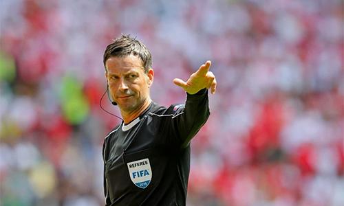 CĐV Man City thất vọng khi trọng tài hâm mộ Man Utd bắt trận derby
