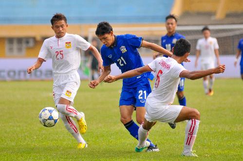 U19 Thái Lan chật vật đánh bại U19 Lào
