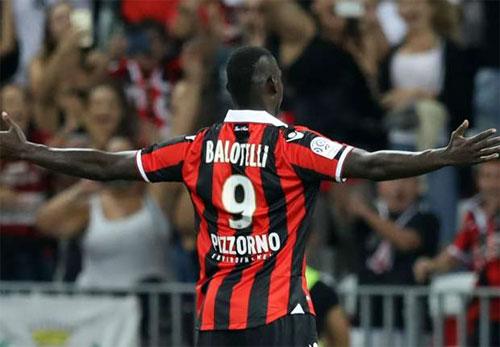 Balotelli chói sáng trong trận đầu đá cho Nice