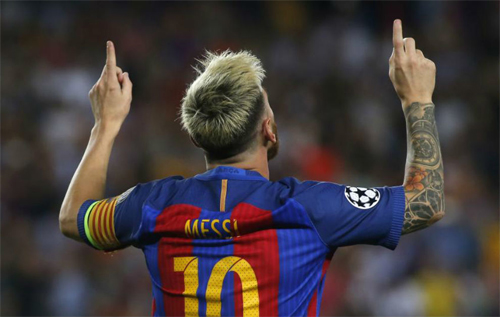 Messi tự phá kỷ lục của bản thân và Ronaldo