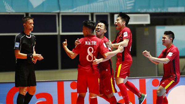 Việt Nam đại bại trước Paraguay ở FIFA Futsal World Cup 2016