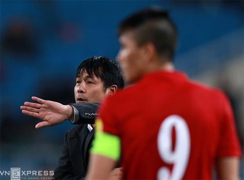 HLV Hữu Thắng triệu tập 29 cầu thủ chuẩn bị cho AFF Cup