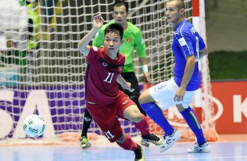 viet-nam-cham-tran-nga-tai-vong-1-8-world-cup-futsal
