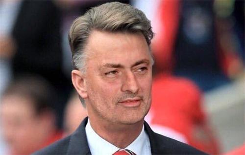 Mourinho bị ví như Van Gaal cải trang