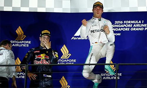 Ferrari 'tự bắn vào chân', lỡ cơ hội vào top 3 ở GP Singapore