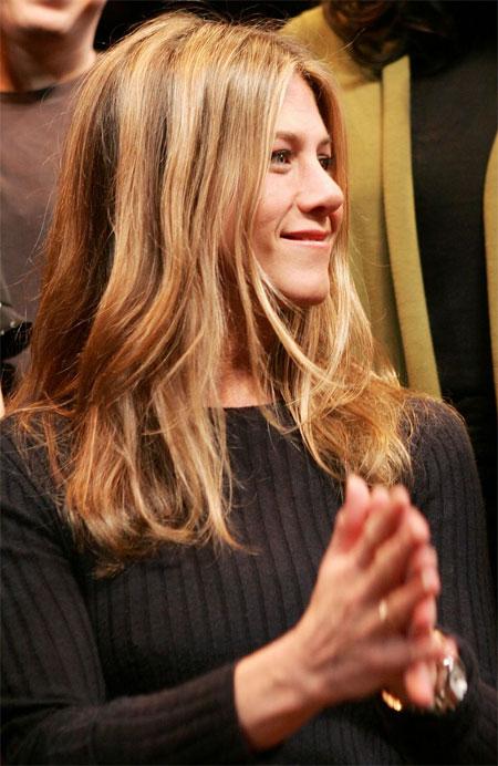 """Mourinho """"đứng hình"""" vì sắc đẹp của Jennifer Aniston"""