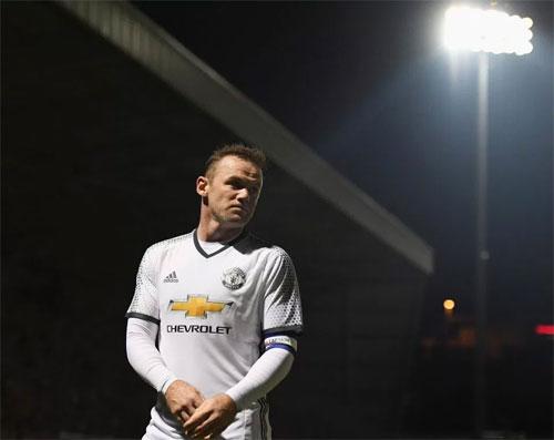 Rooney sẵn sàng cho viễn cảnh bị Mourinho bỏ rơi
