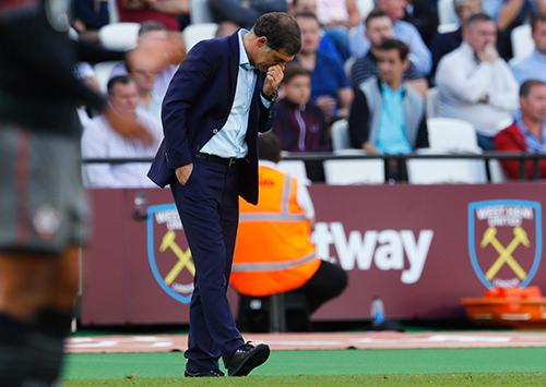 CĐV West Ham kêu gọi sa thải Bilic, Mancini có thể kế nhiệm