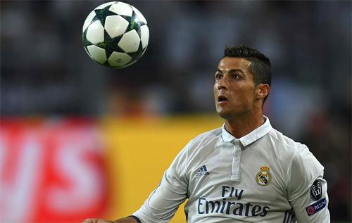 """Ronaldo: """"Real sẽ là đội đầu tiên bảo vệ thành công Champions League"""""""