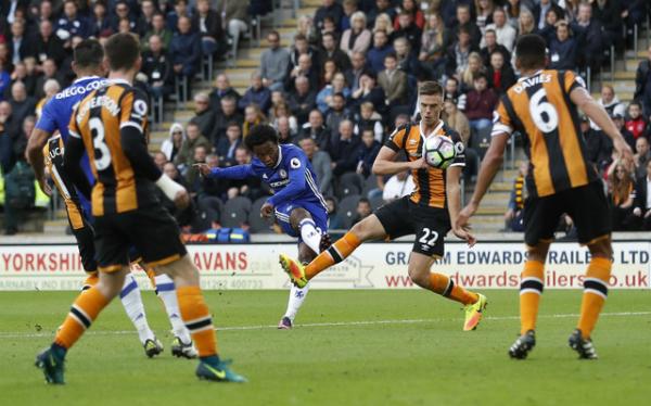 Willian ghi tuyệt phẩm, Chelsea thắng trở lại