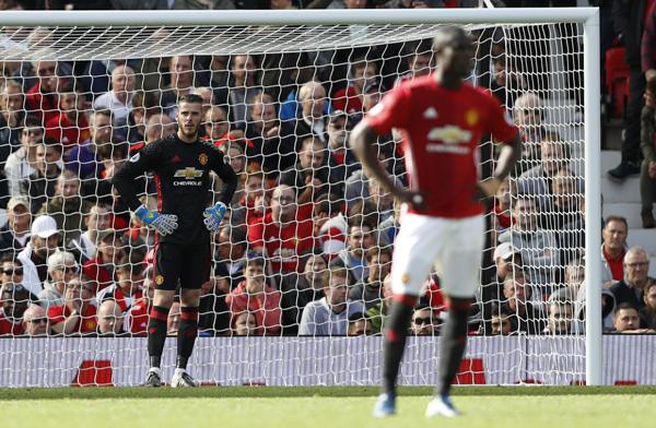 De Gea mắc sai lầm, Man Utd đánh rơi chiến thắng tại Old Trafford