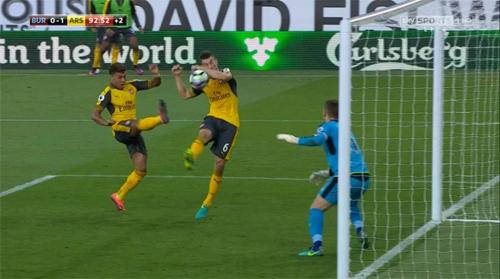 """Henry: """"Trọng tài sai khi công nhận bàn thắng cho Arsenal"""""""