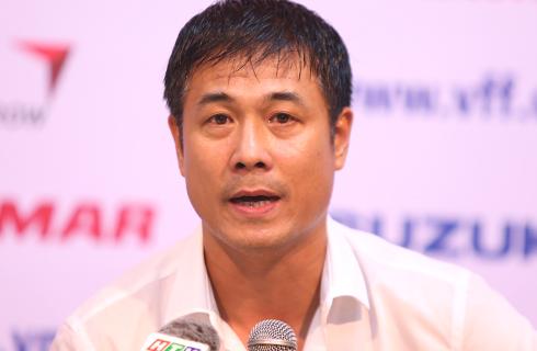 """HLV Hữu Thắng: """"Đừng đưa cầu thủ lên mây sau chiến thắng"""""""