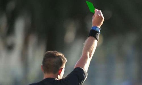 Trọng tài lần đầu sử dụng thẻ xanh