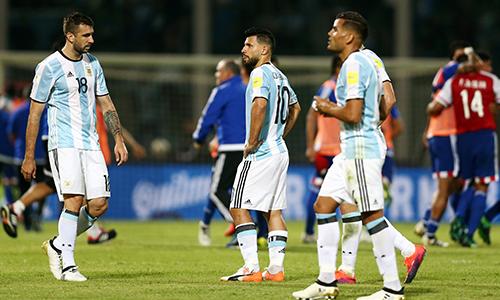 aguero-da-hong-phat-den-argentina-thua-paraguay