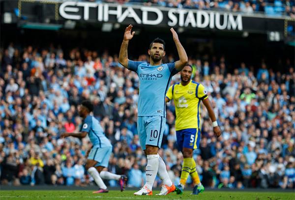 Man City đá hỏng hai quả phạt đền, chật vật hoà Everton