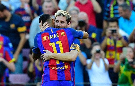 Messi chỉ mất bốn phút để ghi bàn, Barca đại thắng Deportivo