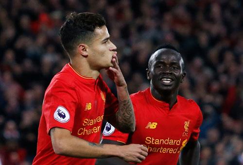 Liverpool leo lên thứ hai Ngoại hạng Anh