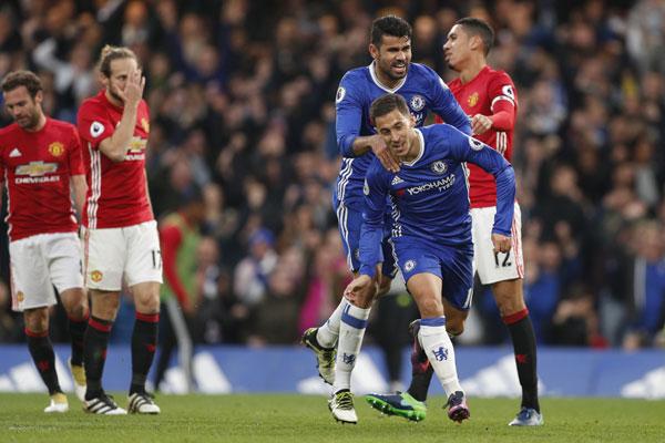 Chelsea nhấn chìm Man Utd của Mourinho