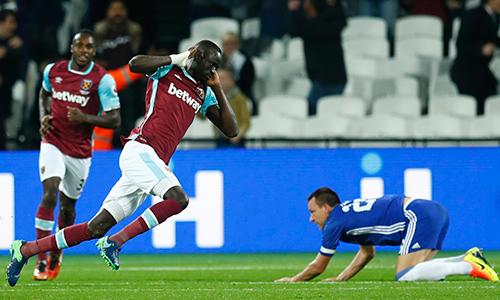 West Ham 2-1 Chelsea: Ngày tái xuất thảm họa của Terry