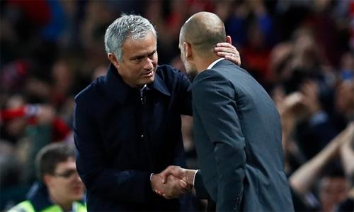 Mourinho là HLV đầu tiên giúp ba đội khác nhau thắng Guardiola
