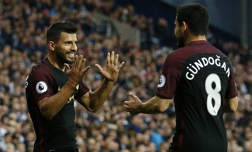 Aguero lập cú đúp, Man City cắt chuỗi sáu trận không thắng