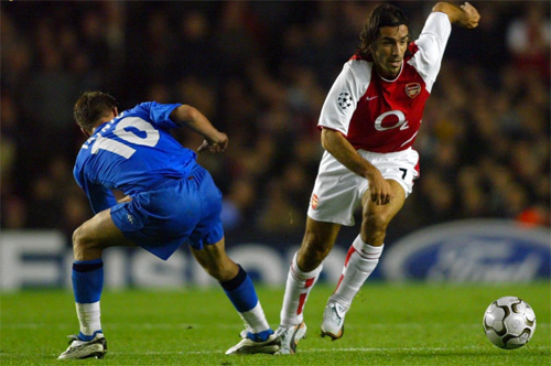 robert-pires-va-hoi-uc-ve-mot-arsenal-bat-bai-1