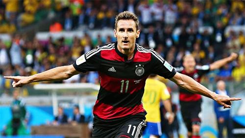 Miroslav Klose: Người tử tế giữa chốn xô bồ bóng đá